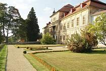Zámek ve Svojšíně.