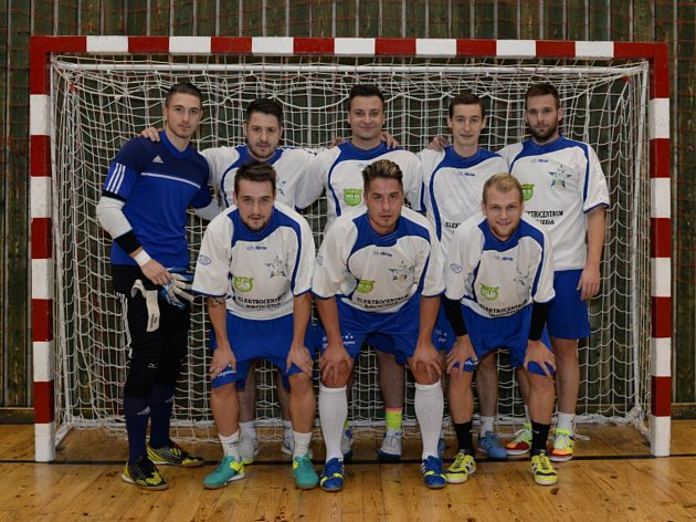 Tým Modrá laguna (na snímku z pátého ročníku) vyhrál všech pět dosavadních ročníků turnaje O zašmodrchanou tkaničku.