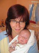 Renatě Nováčkové a Eduardu Elgrovi z Boru se 24. května dvacet minut před jedenáctou hodinou dopoledne narodila v Mulačově nemocnici dcera Eliška (3,35 kg/50 cm), které se nemohou dočkat její tři sestřičky – Ivanka (15), Monča (14) a třináctiletá Verunka.