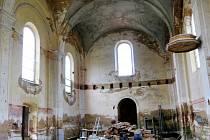 Tak vypadal interiér v počátcích rekonstrukce. Jak vypadá dnes, můžete vidět v sobotu.