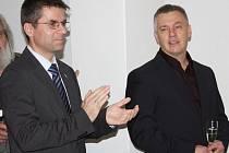 Na snímk Petr Myslivec a MUDr. Ondřej Klicman při slavnostním zahájení provozu nové gynekologie v Boru.