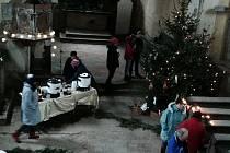 Z vánočního setkání v kostele.