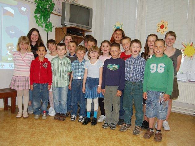 Státy EU představili žáci záchlumské základní školy
