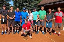 Účastníci čtvrtého ročníku tenisového ChaBr Cupu v Tachově.