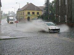 Přívalový déšť v Chodové Plané.