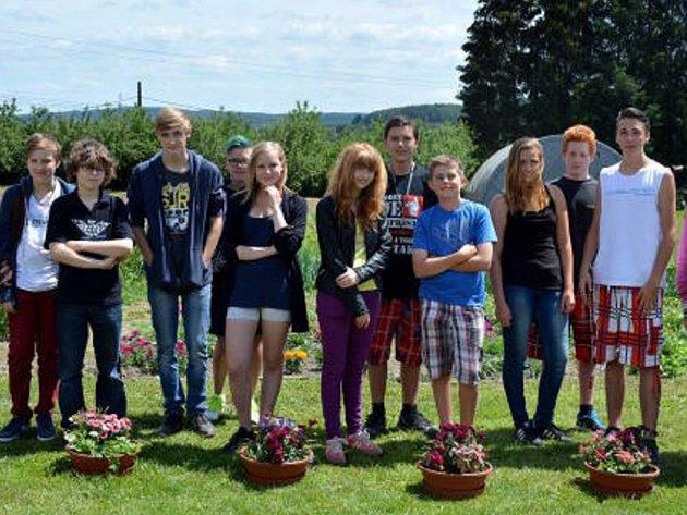 Pro žáky základních škol uspořádali studenti soutěže