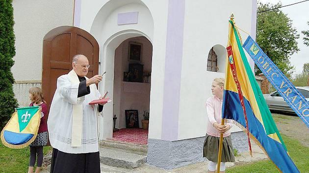 Ve Vranově v sobotu požehnali obecním symbolům