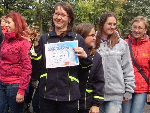 Domácí tým mladých hasičů potěšil své vedoucí i pátým místem.