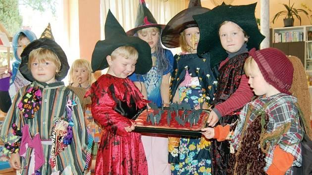 Na třicet kouzelníků a čarodejnic mělo slet ve středu v mateřince v Tyršově ulici v Tachově.