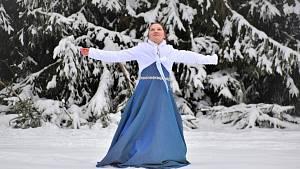 Ledová - nový videoklip Anny Gálisové natočený u Mariánských Lázní.