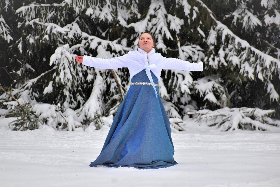 Z natáčení klipu Anny Gálisové - Ledová.
