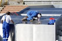 Dodavatelská firma finišuje s dostavbou venkovního koupaliště v Tachově. Termín předání je stanoven na 30. dubna.