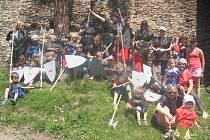 V rámci cvičení byl uspořádán výlet na hrad Gutštejn, a to v rytířském oblečení.