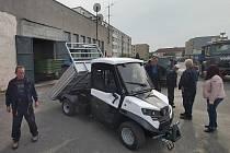 K údržbě zeleně poslouží v Boru nový elektromobil.