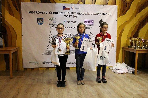 Tachovská šachová naděje Sibyla Řezničková vyhrála mistrovství republiky.
