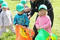 Děti soutěžily při sportovním dopoledni.