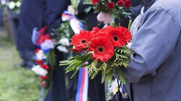 Páteční večer patřil v Tachově vzpomínce na oběti druhé světové války