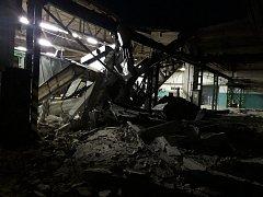 Z místa pádu střechy v jedné z hal v Oldřichově.