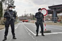 Státní hranice a hraniční přechody na Tachovsku v sobotu 28. března, dva týdny po uzavření hranic.