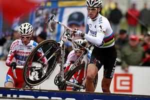 Zdeněk Štybar v Táboře opět stál při Světovém poháru cykokrosařů na stupni vítězů.