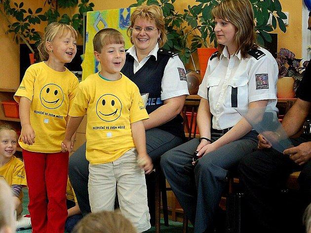 Policisté zkoušeli předškoláky