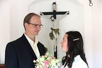 Anna a Milan Dulovcovi si ve Vranově u Stříbra řekli své ano.