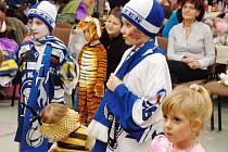 Téměř devadesátka dětí se sešla na víkendové Klauniádě, která se konala v sobotu v Přimdě. V pořadu Inky Rybářové se při různých soutěžích děti zcela vyřádily