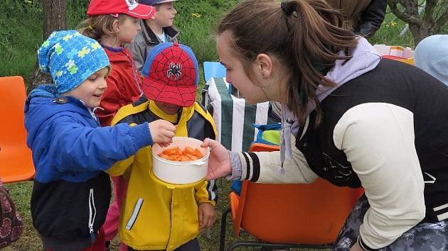 Školní zahrady SOŠ se koncem týdne otevřely veřejnosti.
