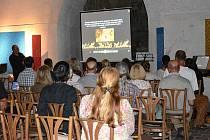 Na povídání o kazateli mistru Janu Husovi se do kostela sv. Petra a Pavla přišlo podívat na padesát návštěvníků.