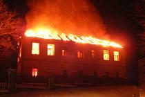 Ve Svaté Kateřině shořela škola. Škody jdou do milionů