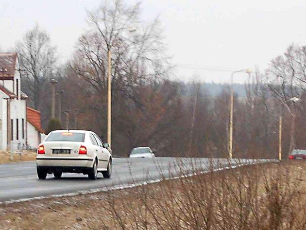 Už několik let se snaží obyvatelé osady Vítkov prosadit stezku pro chodce a cyklisty, kteá by vedla z Vítkova do Tachova.