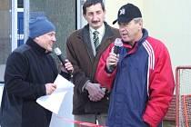 Bohuslav Ebermann (na snímku při rozhovoru s moderátorem Petrem Maršálkem, naslouchá starosta Stříbra Miroslav Nenutil)