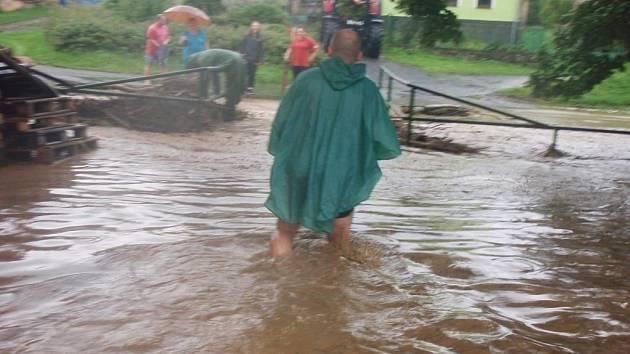 Holostřevy zasáhla povodeň