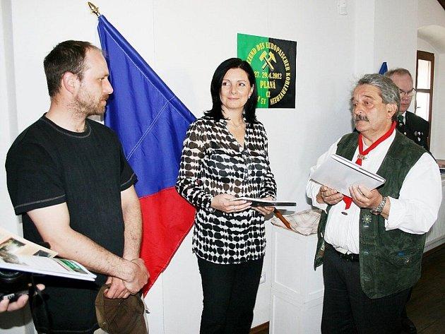 Uhlíře, kteří se sešli v Plané, přivítala starostka města Martina Němečková.