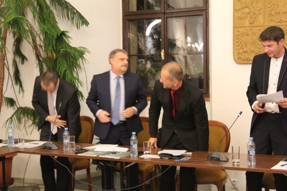 Ustavující schůze zastupitelstva ve Stříbře.