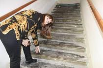 Barokní schodiště a rekonstruovaná ambitová chodba.