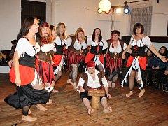 Pásmo divadelních představení a kulturních vystoupení si užili obyvatelé  Olbramova