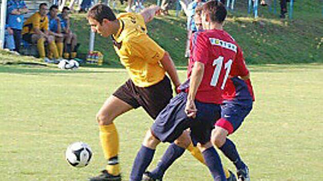 Fotbal: Sp. Dl. Újezd – TJ Zruč 1:2