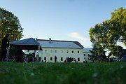V prostorách zahrady Muzea Českého lesa se uskutečnil druhý ročník festivalu Slap fest.