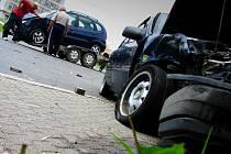 Čtyři lehká zranění si vyžádala dopravní nehoda, ke které v neděli na světelné křižovatce v Tachově