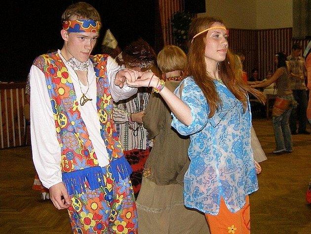 Hipies tančili na prodloužené ve Stříbře
