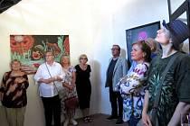 V Plané začala výstava obrazů Natvrdlých.