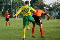 Okresní derby ve fotbalové 1. A třídě J. Bezdružice – B. Stříbro skončilo výhrou hostů 1:2