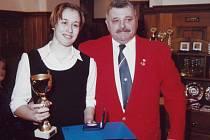 Slavnostní večer zažilli zápasníci. U příležitosti vyhlášení nejlepších mariánskolázeňských a stříbrských zápasníků za rok 2007 byla vyhodnocena také trojnásobná mistryně České republiky seniorka L. Marešová, svěřenkyně F. Hejlíka (oba na snímku).