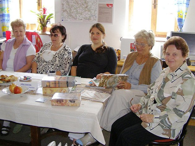 Do volební komise zasedly samé ženy, předsedkyní je Miroslava Vlášková, zapisovatelkou Magadalena Makrlíková, komisi doplnily Marie Kulhánková, Eva Viačková a Jaroslava Kohoutová.