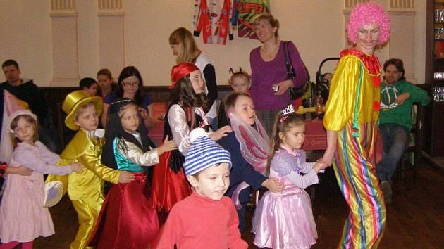 Automotoklub pořádal maškrarní karneval pro děti