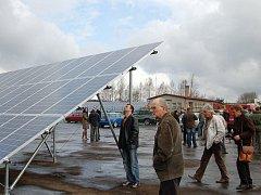 Sluneční elektrárny ano nebo ne? Jejich výstavba budí mezi obyvateli tachovského regionu rozporuplné názory a pocity.