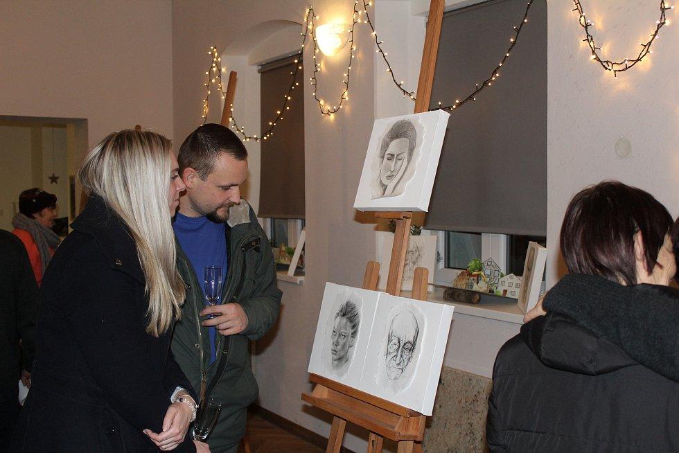 Vernisáž výstavy v obci Obora.