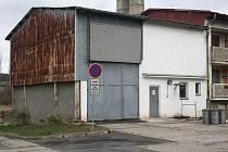KOTELNA V CEBIVI, zásobující teplem 32 bytů, zůstává ve vlastnictví obce. Ta zatím nenašla vhodného provozovatele.