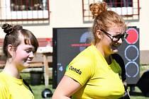 Juniorka Denisa Hrušková (vpravo) vyhrála druhé kolo lukostřeleckého Poháru ČLS.